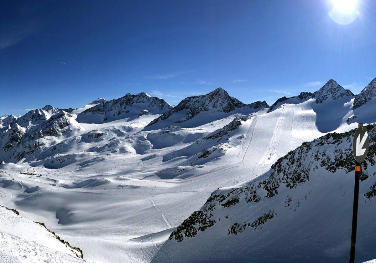 Lezioni di sci al Daunscharte sul ghiacciaio dello Stubai