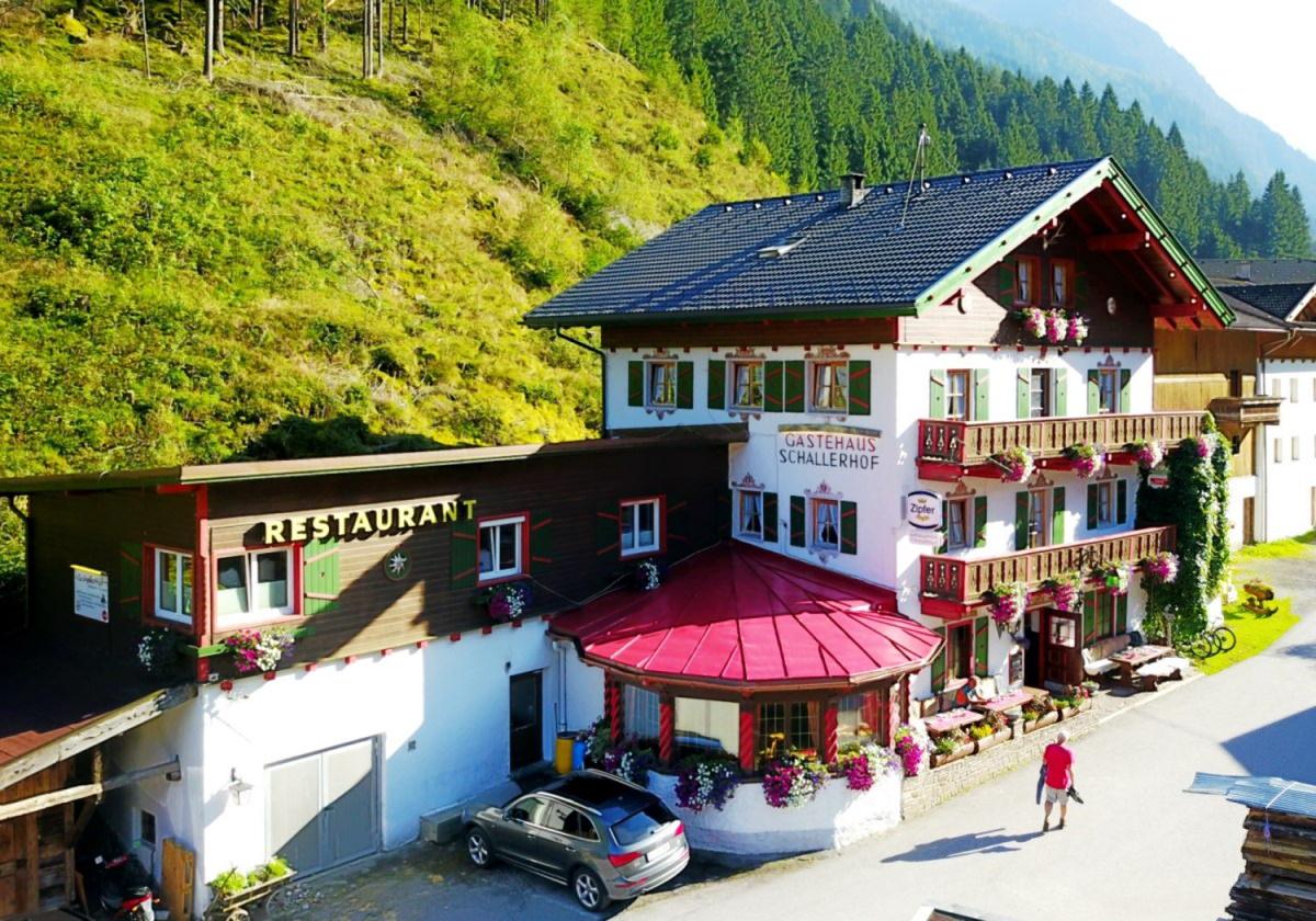 Restaurant à la carte Alpengasthof Schallerhof en été